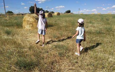 Cosas que aprenden mis hijas en sus veranos en el pueblo