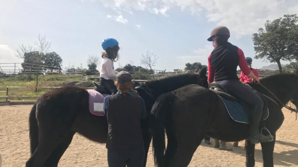 ruta a caballo con niños