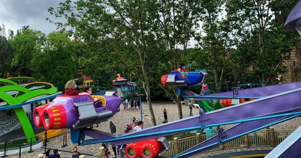 parque de atracciones en familia