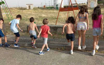 Gincana de verano para niños. Refrescantes juegos populares y tradicionales